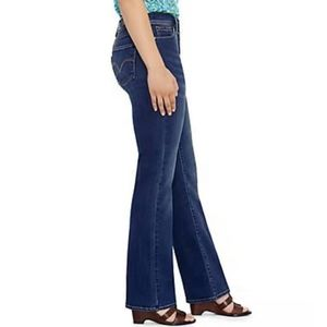 Levis 512 boot cut perfectly slimming size 8